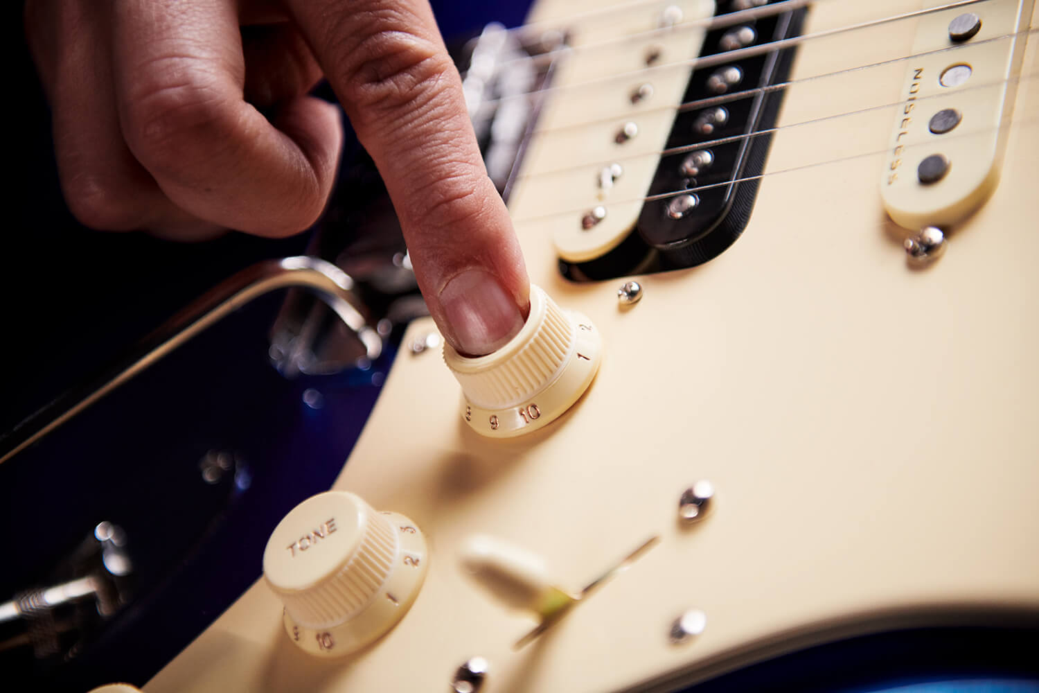 American Ultra Stratocaster HSS S1 Switch