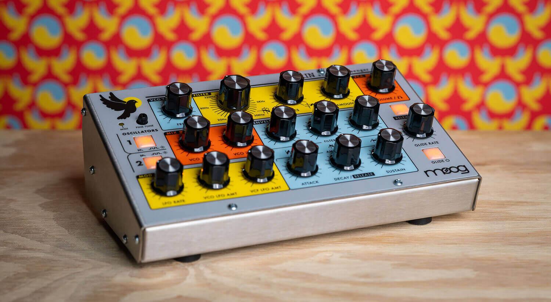 Moog Sirin front